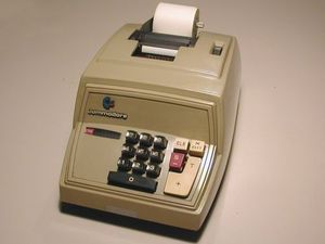 Commodore_adding_machine_calculator_b_5.jpg
